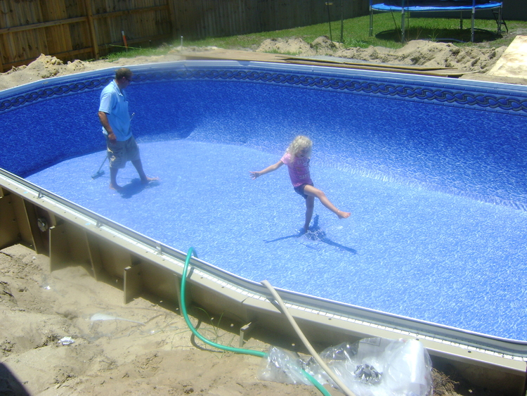 Do it yourself build southern pool and spa pool for Building an inground pool